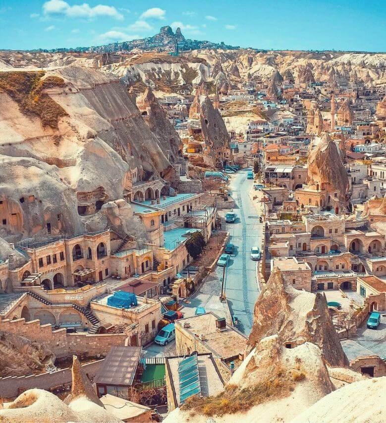 Goreme, Turkey (Photo izkim, Instagram)